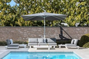 Pagino loungeset (incl. parasol en kussens in All Weather Sunbrella® Luxe) wit-grijs - aluminium en all weather sunbrella® luxe - 5 personen