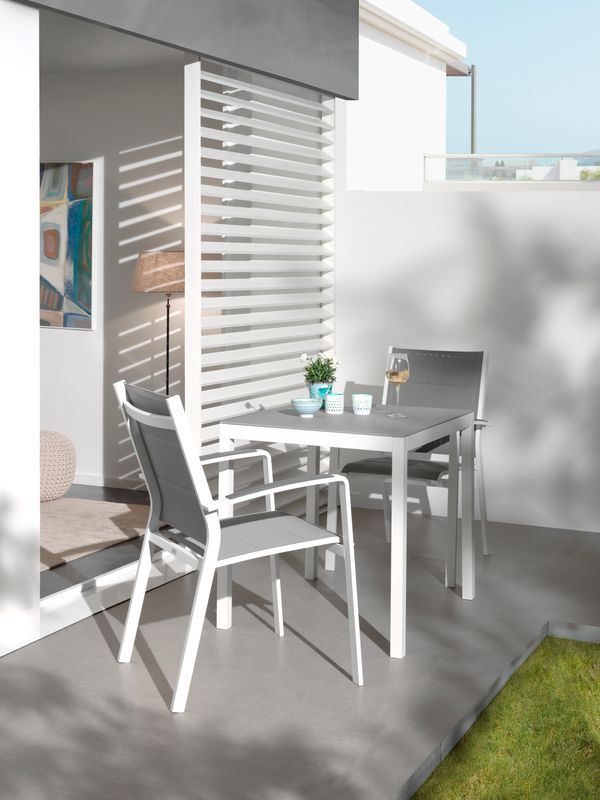Chaise empilable Lioni empilable blanc-gris - aluminium et textilène single
